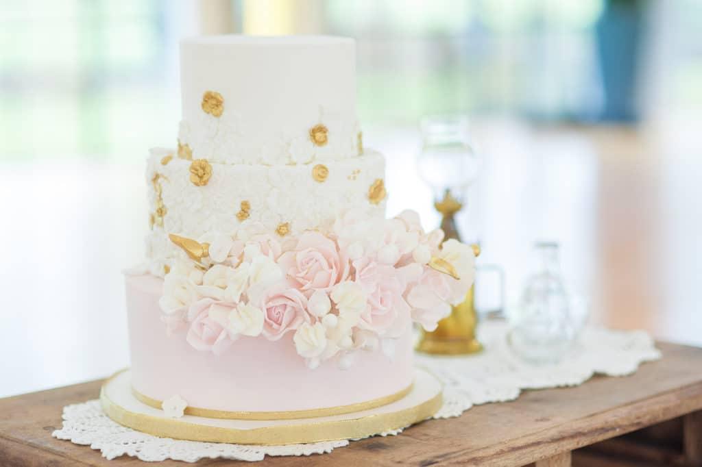 wedding cake piece montée romantique pour un mariage de princesse